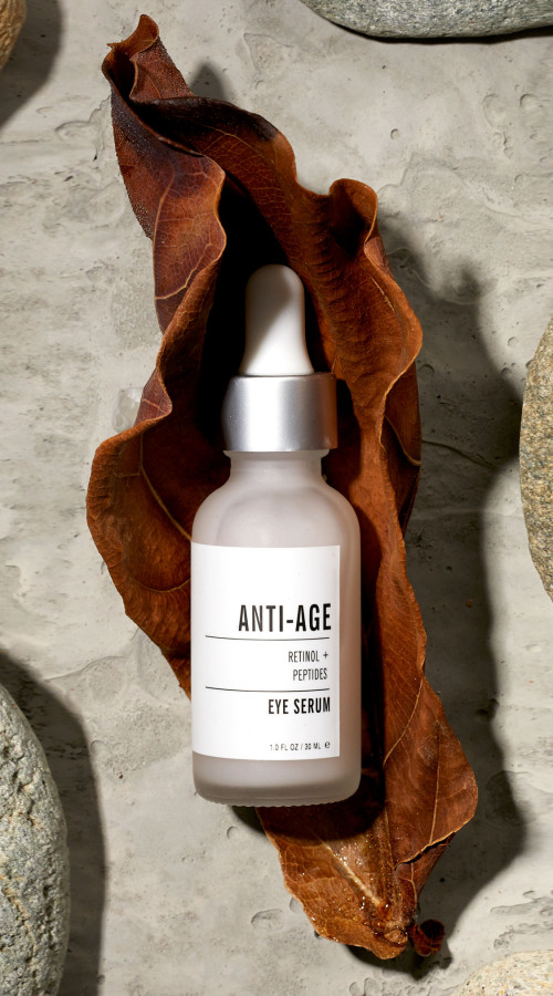 Product photography of a bottle of skin care serum
